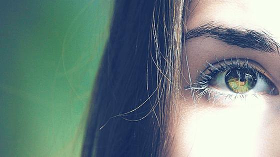 ¡Cejas Perfectas! 3 métodos de depilación a examen.